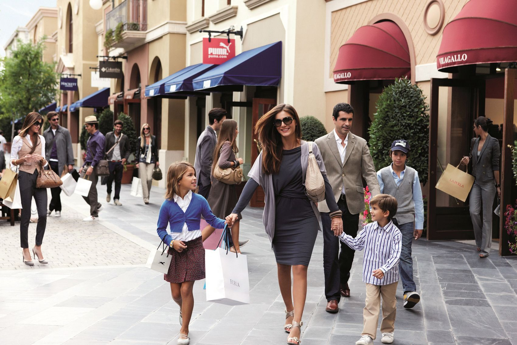 Las rozas village luxury outlet shopping madrid for Design outlet milano