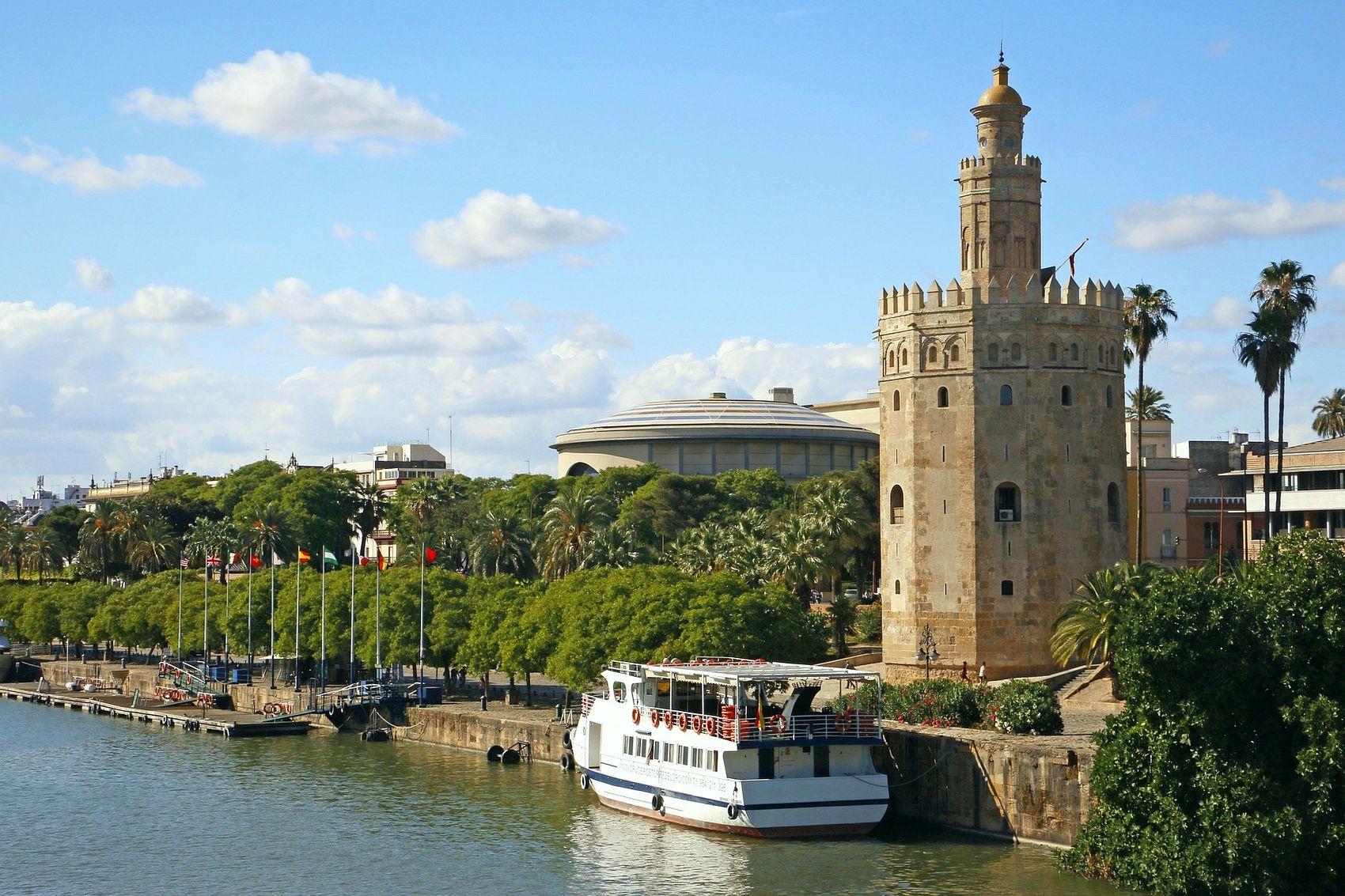 Torre del oro the gold tower of seville for La fabrica del mueble sevilla