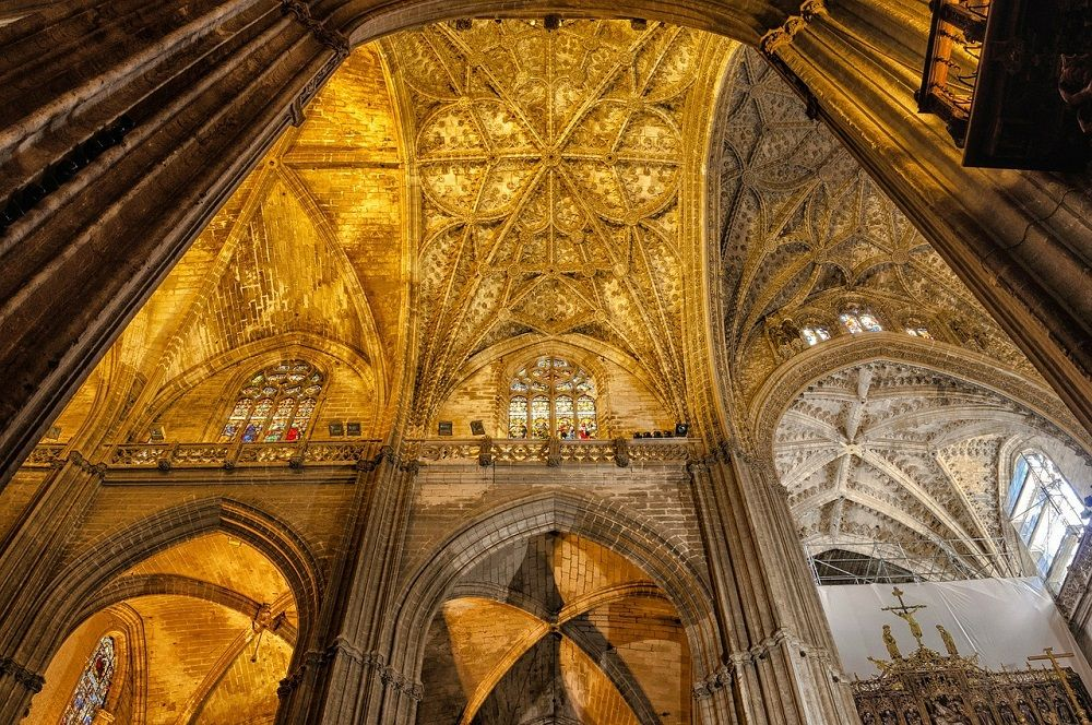 22 things you can only do in spain spain attractions for Exterior catedral de sevilla