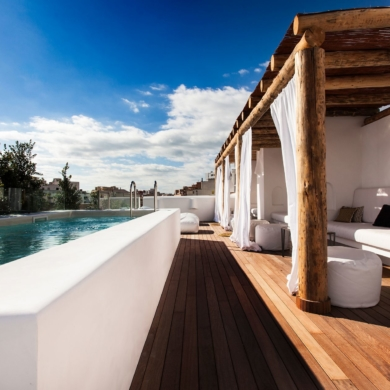 Hotel with rooftop pool in Palma de Mallorca