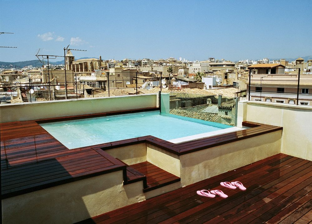 Rooftop terrace with splash pool
