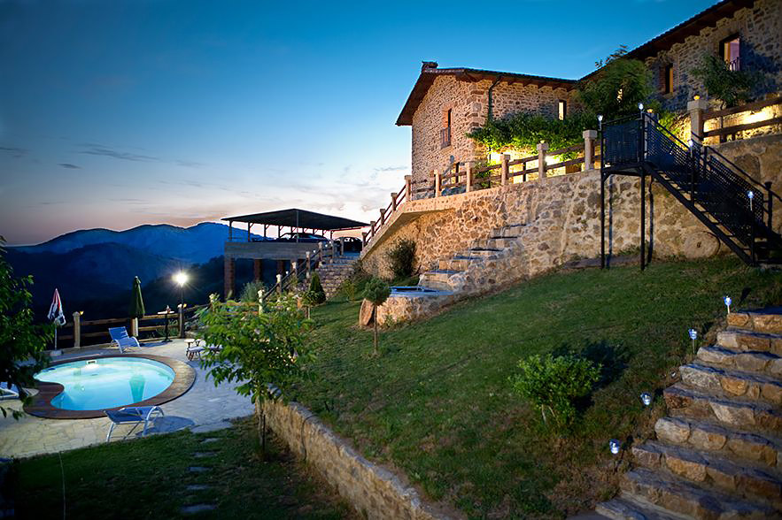 Pool villa in the mountain of León