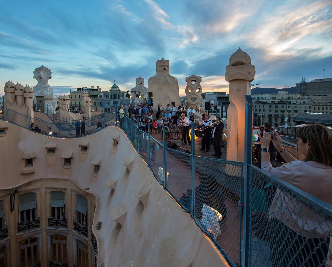 Live music on a rooftop in Barcelona