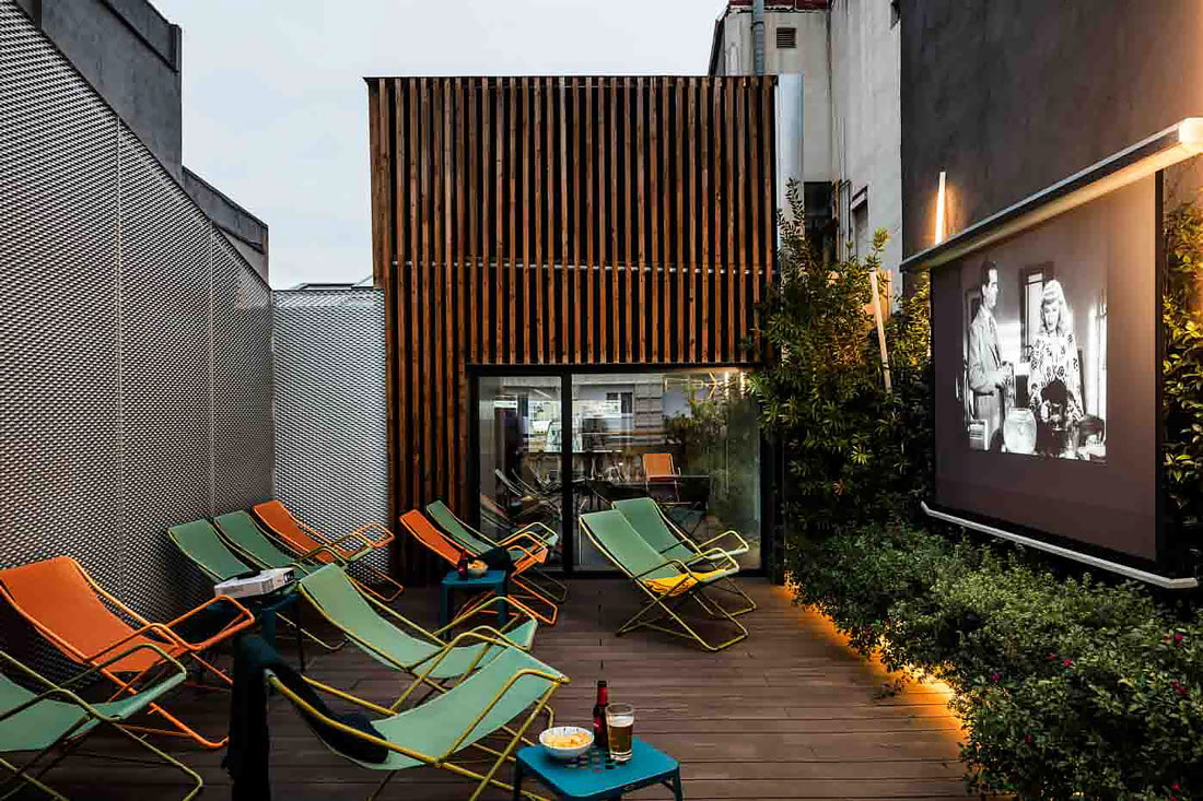 Rooftop cinema in Barcelona