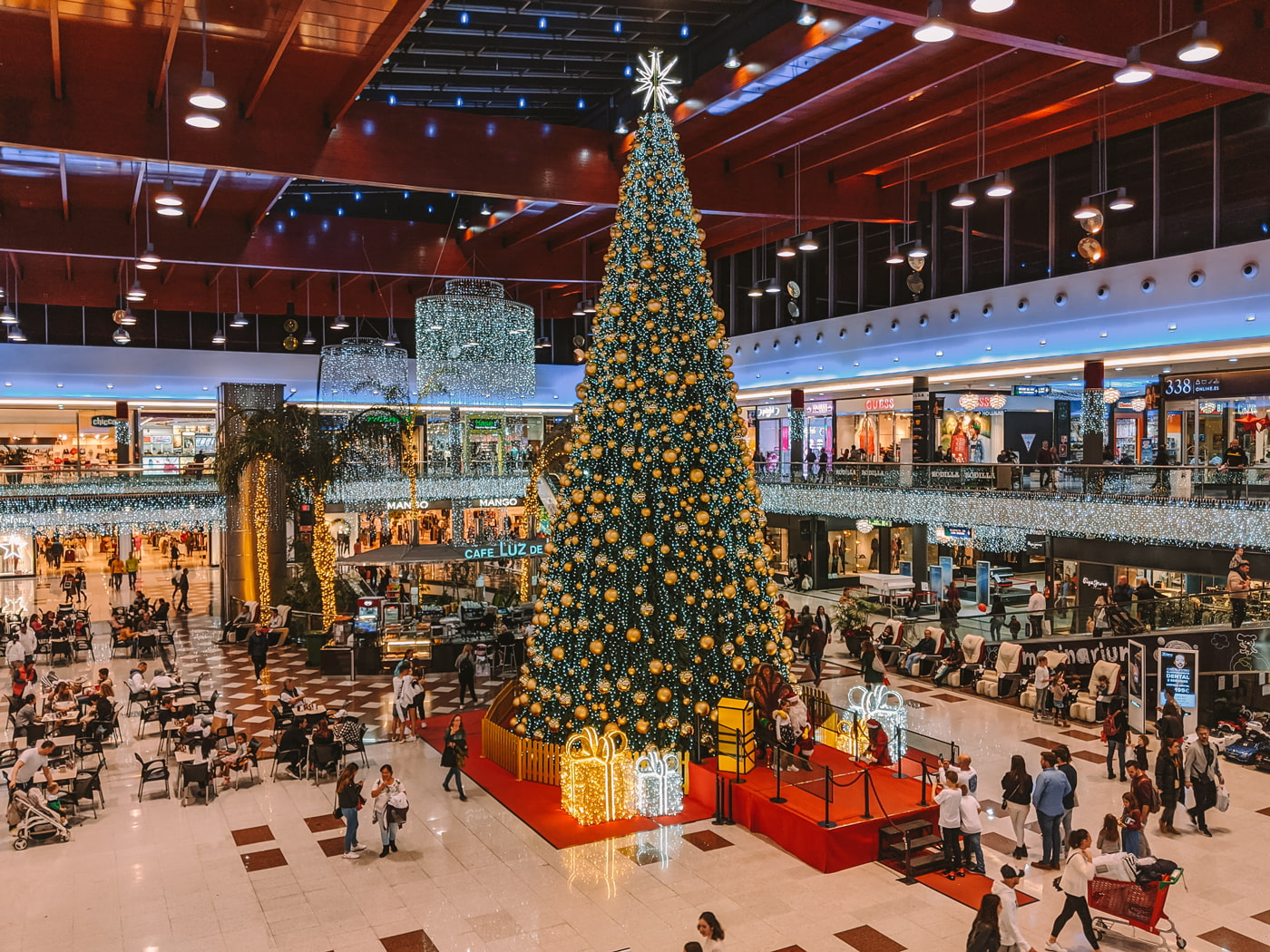 Christmas shopping in Spain