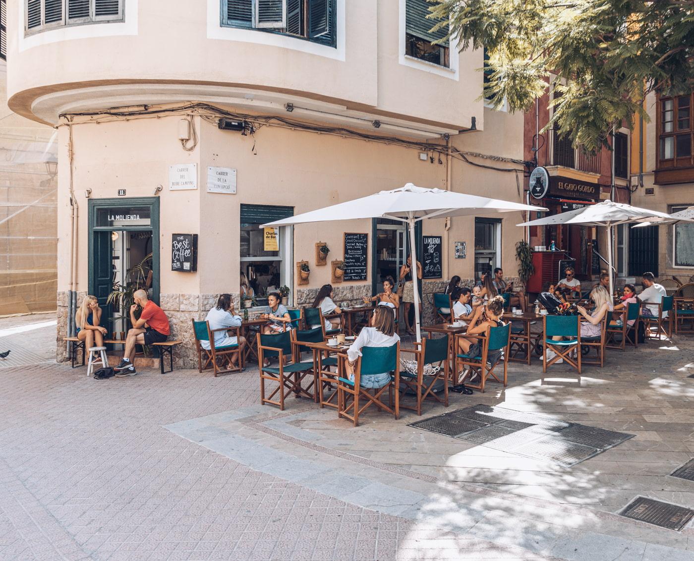 La Molienda corner cafe