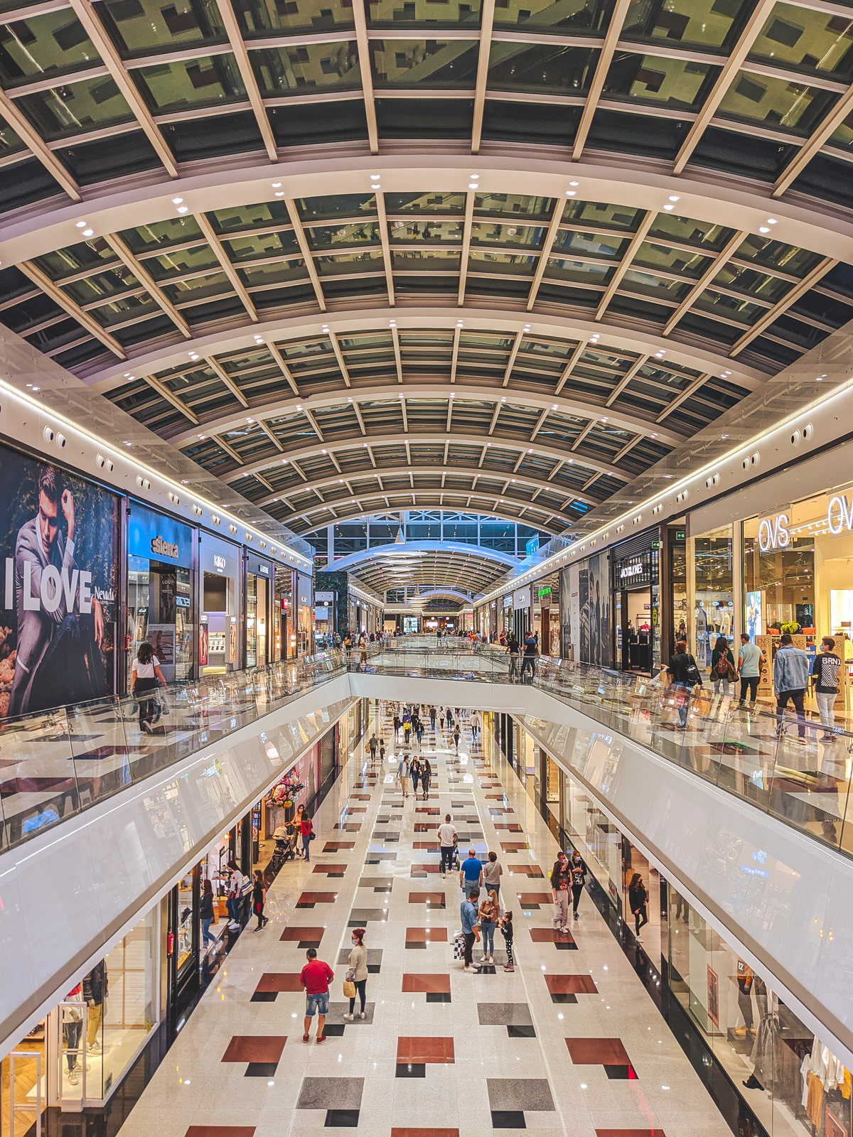 Largest shopping mall in Andalusia