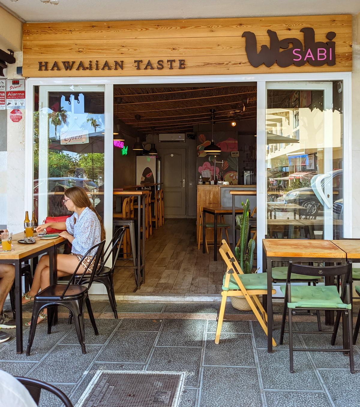 Restaurant with Hawaiian cuisine